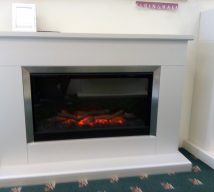 46 inch HANSFORD ELECTRIC SUITE IN PEARLESCENT CASHMERE